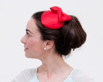 Hoy - Red fascinator made with Silk and finished with a bow