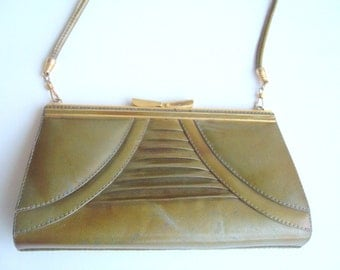 Women clutch vintage / 1960s clutch  under 40/clutch olive green and gold
