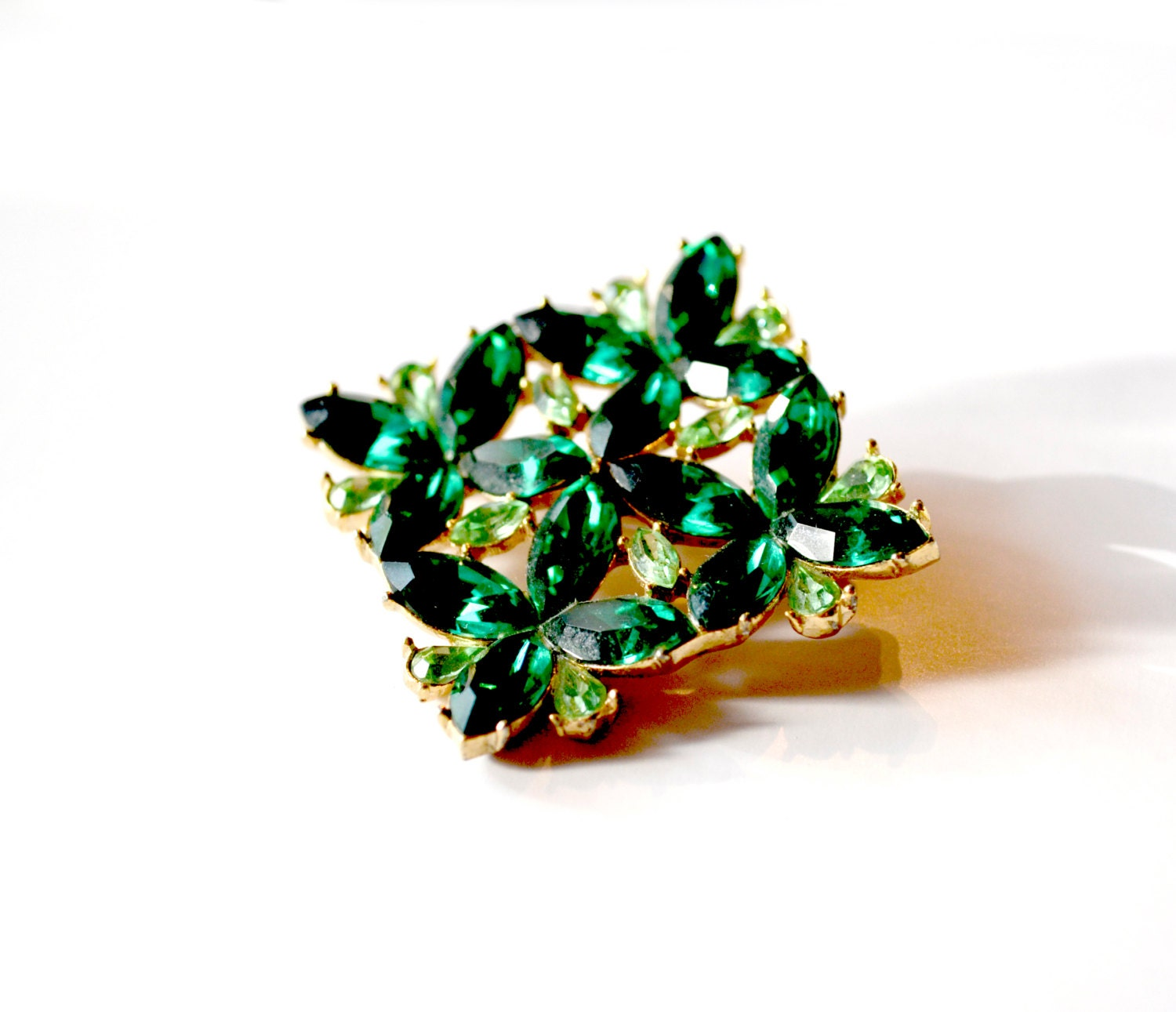 Vintage Rhinestone Pin - Emerald Green Brooch