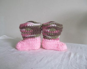 Adorable Pink Camo Hand Crocheted Baby Cowgirl Boots Size 0-3 Months - NEW DESIGN
