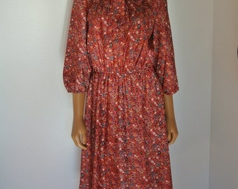 Lady Carol of New York Vintage 1960s Day Dress Red Paisley Pussy Bow Ascot / M/ L