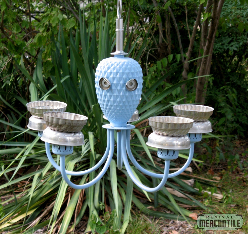 Vintage repurposed upcycled outdoor garden octopus chandelier for Upcycled bird feeder