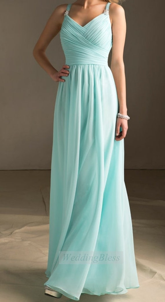 Wedding ideas tiffany blue with a touch of bling for Wedding dresses with tiffany blue