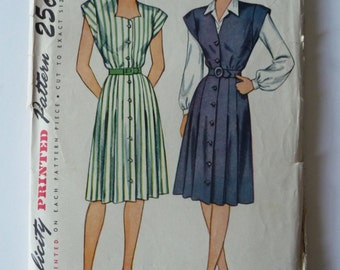 Simplicity 1632 Vintage 1940's Sewing Pattern: Button Front Dress or Jumper with Cap Sleeves and Collared Blouse, Size 34 (34-28-37)