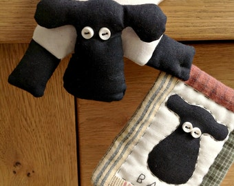 Animal sewing pattern for sheep, cat, pig, dog and frog - each with their own mini quilt!