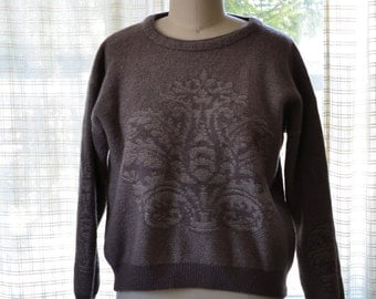 Sz L Pretty Fleur de Lis Wool Sweater Women's Gianfranco Ruffini 100% Wool Gorgeous Taupe and Beige with Floral Detail Large Like New Nice