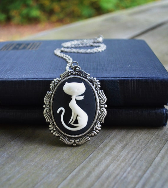 Retro Kitty Necklace - Cat Necklace - Cat Jewelry - Black and White - Gifts Under 25