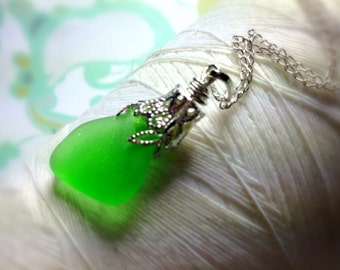 Ice Caps - green sea glass necklace / sea glass necklace / seaglass necklace / green glass necklace / silver leaf necklace / beach jewelry