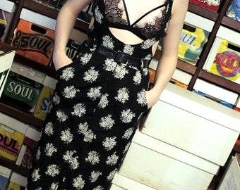 Belted 90's Floral Romper Dress- Medium