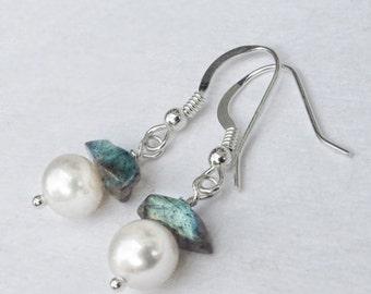 Petite Boho Wedding Pearl Earrings, Bridal Pastel Jewellery, Beach Wedding bohemian bridesmaids gift Silver Mystic Labradorite birthstone
