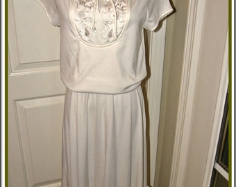 Vintage Dress Trolley Car White 70s Dress w Lace Yoke Boho FREE Shipping USA Domestic