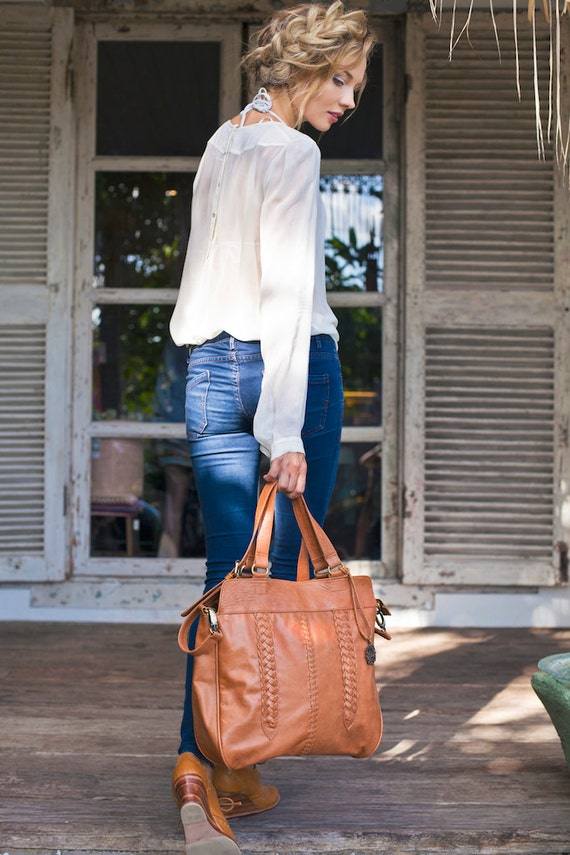 FRIDA. Bohemian leather handbag / foldover bag / leather shoulder bag / leather cross body / boho bag. Available in different leather colors