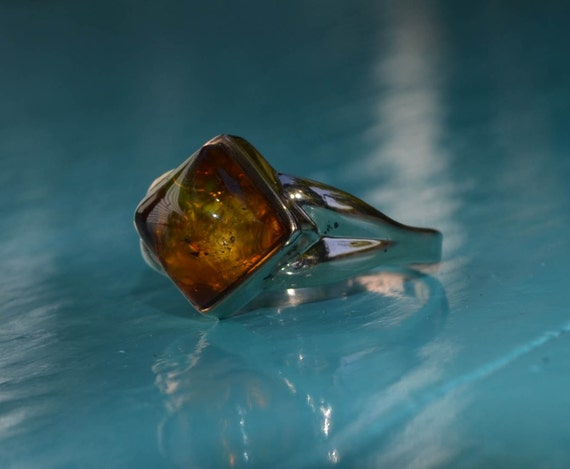 Amber gold ring amber and rose gold antique alternative for Amber stone wedding ring