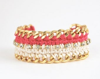 Pink bracelet with rhinestones and chunky chain, crochet bracelet in pink and beige, color block statement bracelet