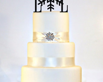 Winter Wedding Snowflake Monogram Wedding Cake Topper in Any Letters A B C D E F G H I J K L M N O P Q R S T U V W X Y Z