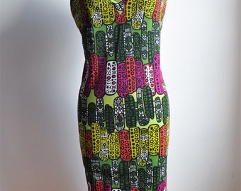 60's Playful V-Neck Shift Dress with Abstract Pattern of Pinks and Greens / Vintage Dress