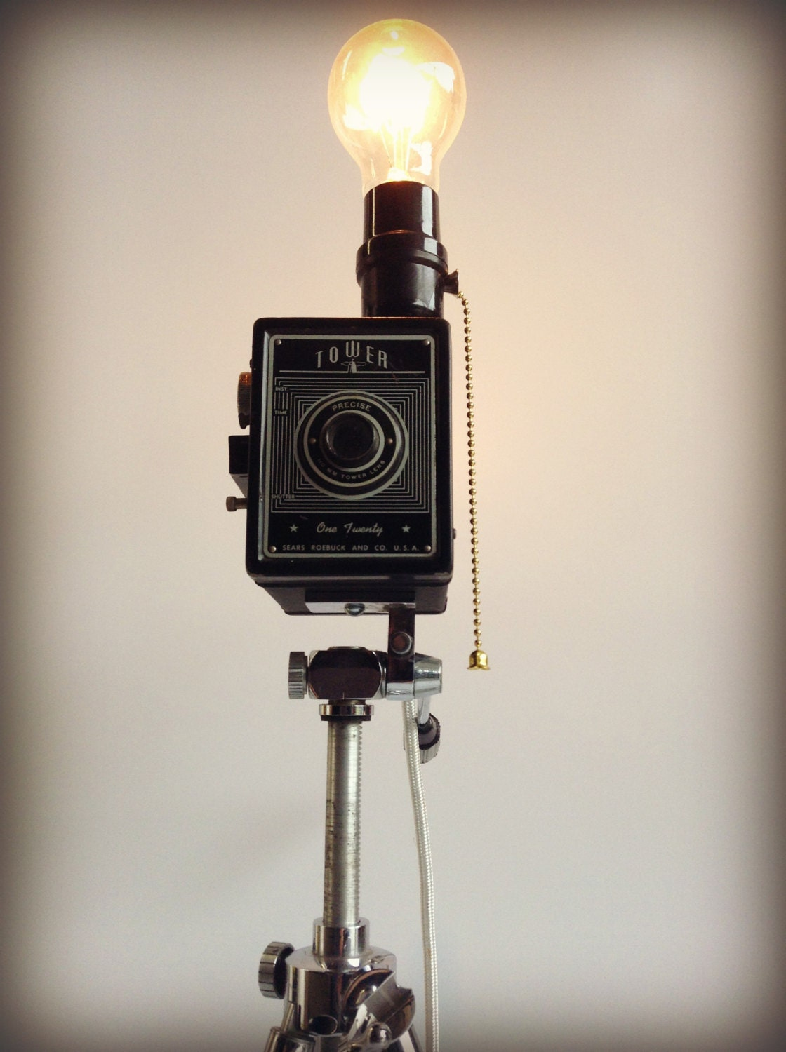 Vintage Camera Chelico Tripod Lamp Photographer Hollywood
