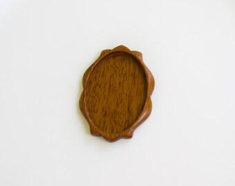 Fine Craftsmanship NO Laser Wooden  Bezel - Mahogany - 32 x 45 mm - (D3-M)