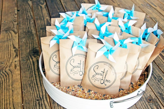 Kraft Bag Wedding Favors - Sweet Love Design - Custom Names included on Favor - Wedding, Anniversary, Favors - 25 Wedding Favor Bags