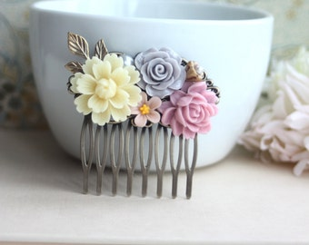Soft Ivory Cream Chrysanthemum, Grey Rose, Pink, Pearl, Brass Leaf Flower Hair Comb. Maid Of Honor, Bridesmaids Gift, Wedding Flower Comb.