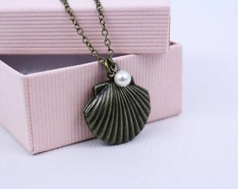 Brass Sea Shell Locket Necklace / Seashell Locket / Bridal Jewelry / Bridal Collection