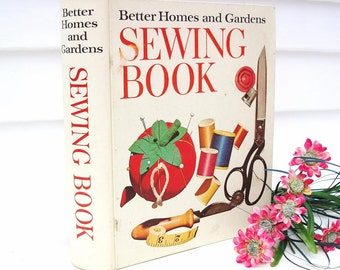 Vintage Sewing Book Better Homes and Gardens 1970 Hardcover Binder Organizer Instructional Book DYI Projects