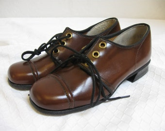 """1960's Children's Brown Leather Oxford Shoes """"Dead Stock"""" - Size: 12 B"""