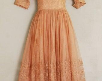 1950s Vintage Lace Party Dress - Peachy Mauve Lace Dress -Romantic Dress - Vintage Wedding Party - Pin Up - Bombshell - 34 Bust