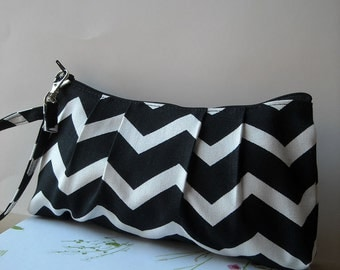 Black Zig Zag  - Zipper Pouch with Clip