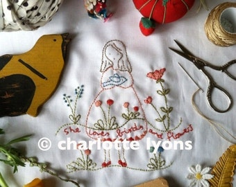 She Loves Birds and Flowers : stitchable embroidery sampler design