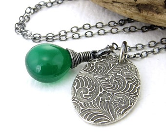 Green Necklace Silver Pendant Necklace Tiny Silver Necklace Charm Necklace Kelly Green Gemstone Pendant Bohemian Jewelry - Solo