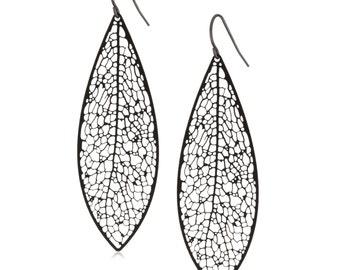 Reticulate earrings (black plated)