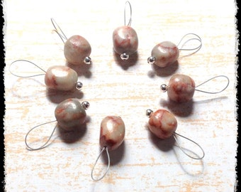 Snag Free Stitch Markers Medium Set of 8 -- Red Marble -- M89 -- For up to size US 11 (8mm) Knitting Needles