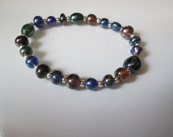 Opalescent Glass and Metal Beaded Bracelet