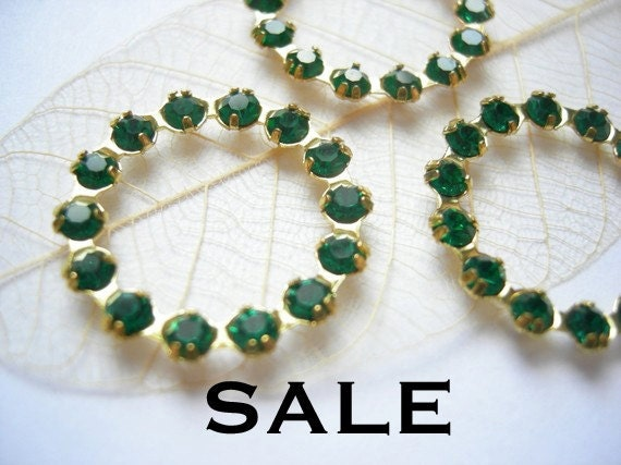 LAST Set - Vintage Forest Green Swarovski Circle Charms (4X) (S504) - S A L E - 25% off