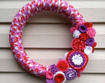 Valentine's Day Wreath - Heart Fabric Wreath decorated w/ felt flowers. Valentine Wreath - Valentine Day Decoration - Heart Wreath