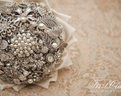 Lillybuds The Adore Brooch Bouquet