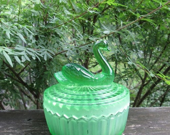 Vintage Green Swan Powder Dish - 1950s Jeanette Glass