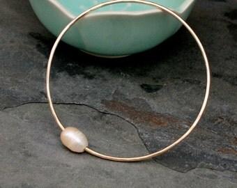 Pink Baroque Pearl, 14k gold fill, 14 Karat Gold Filled Bracelet, Stackable Stacking Bangle