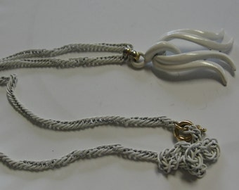 60's White Metal Necklace