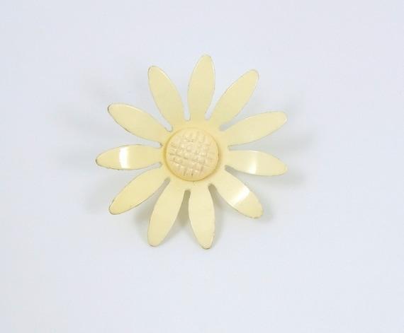 Vintage Realistic Cream Celluloid Flower Button Large Size