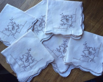 Set of 6 Vintage Ecru Cutwork Luncheon Napkins