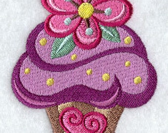 Embroidered Daisy Cupcake Hand Towel