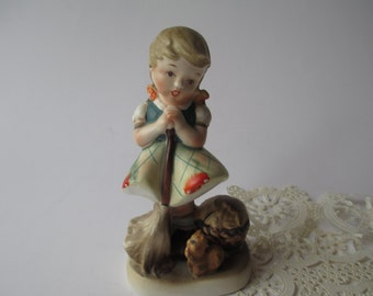 Vintage Mothers Helper Ceramic Figurine
