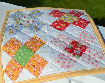 Granny Square Table Mat Vintage Style Table Mat Vintage Style Table Topper Cottage Table Topper Table Quilt Runner Mini Quilt Cottage Quilt