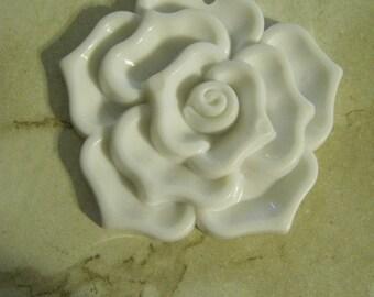 Large Plastic Rose Pendants, white, black
