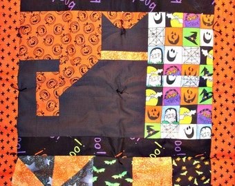 Orange and Black Halloween Table Runner with 4 Matching Cloth Napkins