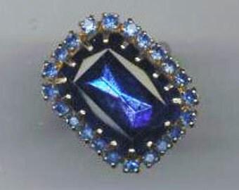 Vintage Adjustable Ring . Silvertone Cocktail Ring . Blue Rhinestone Ring . Sapphire Statement Ring - Royal Design by enchantedbeas on Etsy