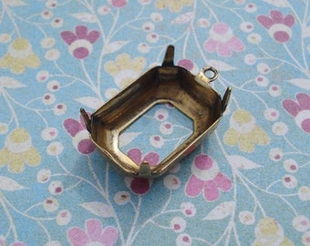 Antiqued Gold 18x13mm Octagon Open Back 1 Ring 4 Prong Settings for your Cabs or Jewels (6 pieces)