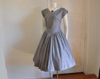 50s dress / Grey Matter Vintage 1950's Embroidered Dress Full Skirt